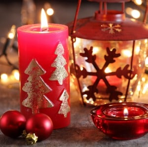 This Christmas ornament tradition is a fun tradition to start with your family this Christmas. Give your kids Christmas memories that will last a lifetime.