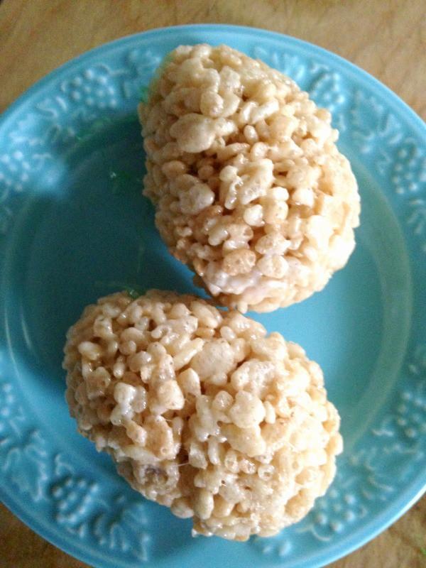 Rice Krispie treat eggs. One of my favorite easy dessert recipes for Easter.