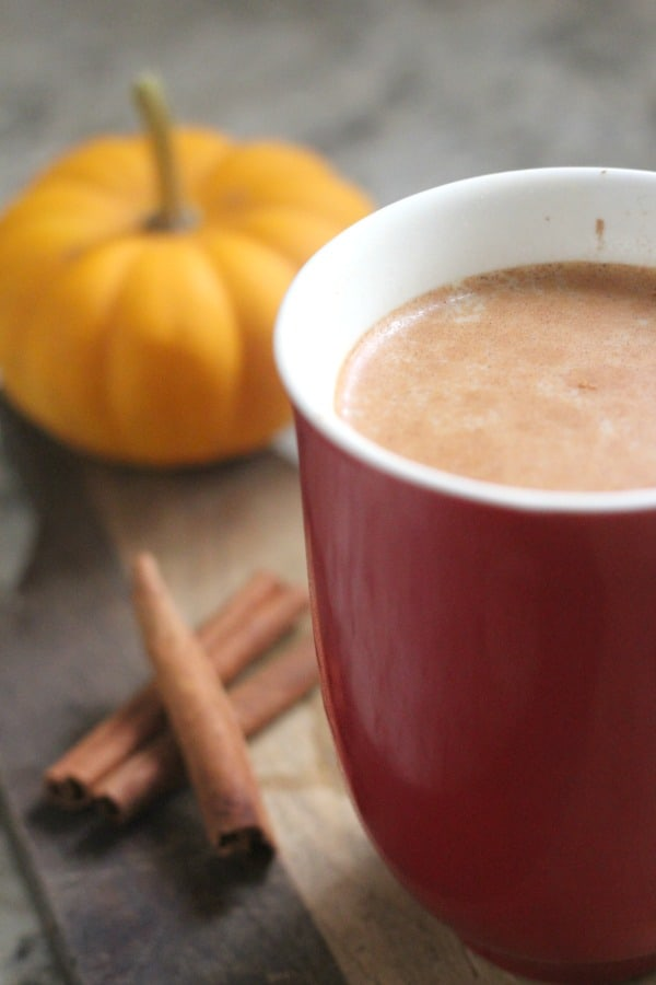 Looking for an easy crock pot beverage recipe for the fall season? This crock pot pumpkin spice latte tastes as great as it smells!