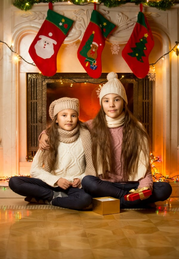 Fun, inexpensive Christmas stocking stuffer gift ideas for pre-teen and teen girls.