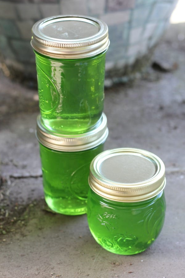 Easy recipe for canning mint jelly.