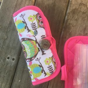 How to make an easy DIY travel sized sewing kit from a pot holder. Great holiday gift idea or gift idea for Operation Christmas Child shoe boxes!