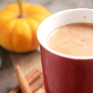 Looking for an easy crock pot beverage for the holiday season? This crock pot pumpkin spice latte tastes as great as it smells!
