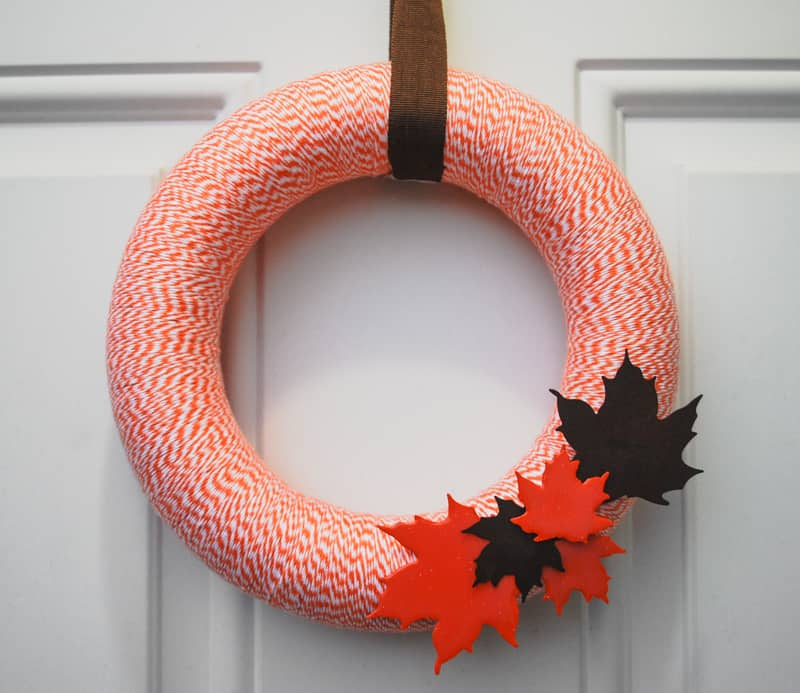 Easy DIY bakers twine fall wreath to hang on your front door.
