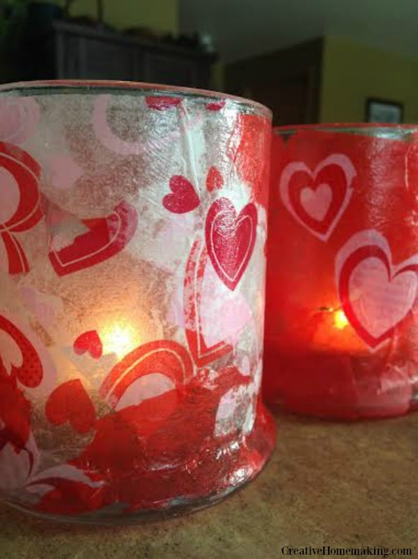 Easy, fun mason jar candles to make for Valentine's Day. One of my favorite mason jar Valentine's Day crafts.