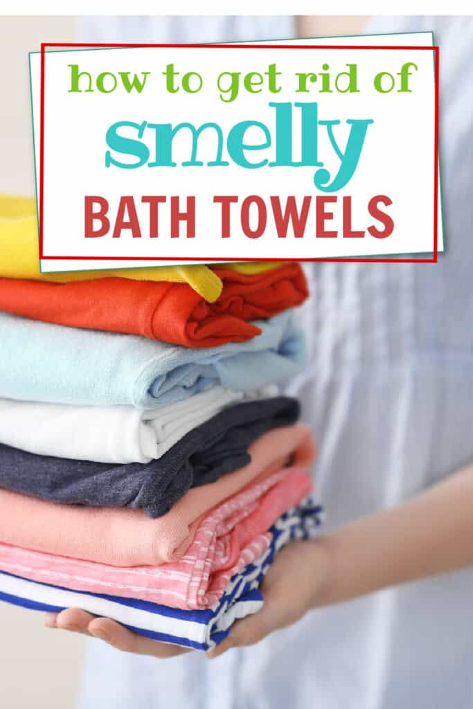 Easy hack for cleaning smelly bath towels.